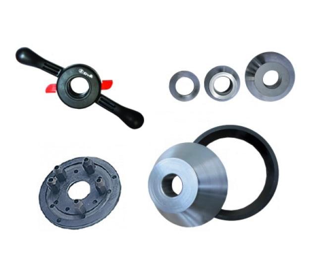 Комплект для л/а в составе: набор конусов STANDARD D 43-114 мм; конус с кольцом D 97-160 мм; быстросъемная гайка SIVIK